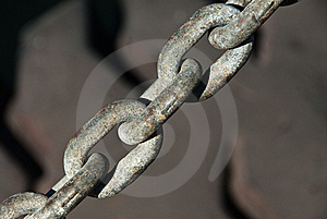 Tyre And Chain Royalty Free Stock Image - Image: 21360306