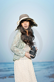 The Girl On The Seaside Stock Photography - Image: 21371992