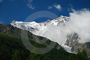 Macugnaga, Italy. View Of Monte Rosa Stock Photos - Image: 21377393