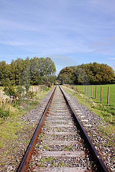 Converging Railway Tracks Royalty Free Stock Image - Image: 21378586