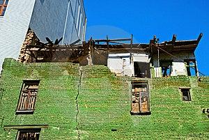 Damaged House And Crack Royalty Free Stock Photography - Image: 21503087