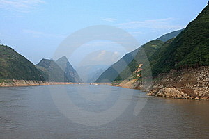 Yangzi River Royalty Free Stock Image - Image: 21695556