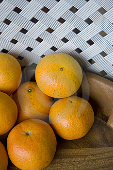 Oranges In Wooden Tray Stock Photos - Image: 21800763