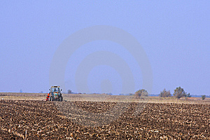 Tractor Working Royalty Free Stock Images - Image: 21833589