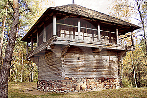 Old Wood Farmhouse Royalty Free Stock Photography - Image: 21846887