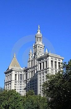 Municipal Building Path Royalty Free Stock Photo - Image: 22011225