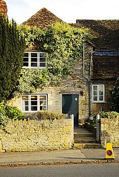 English Cottage Stock Image - Image: 22121161