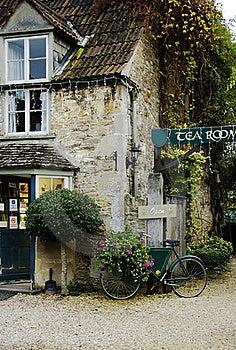 British Cottage Stock Photo - Image: 22121370