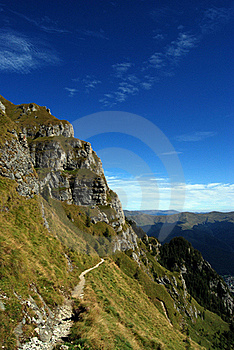 Dangerous Footpath Royalty Free Stock Images - Image: 22183899