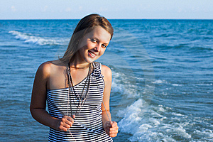 Young Pretty Girl Smiling Royalty Free Stock Photos - Image: 22229688