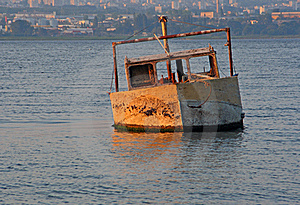 Sunken Boat Royalty Free Stock Photography - Image: 22358257