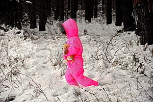 Kid On Snow Royalty Free Stock Photo - Image: 22395055