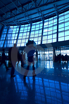 People silhouettes at airport Royalty Free Stock Photography