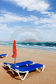 Sunbed Royalty Free Stock Images - Image: 22830269