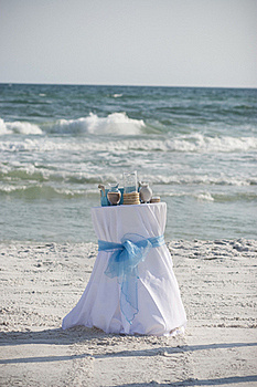 Beach Wedding Royalty Free Stock Photos - Image: 22887568