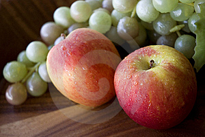 Close Up Fresh Apples And Grapes Stock Image - Image: 23012951