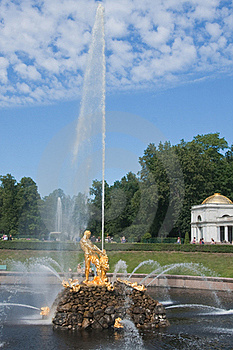 Samson Brunnen, Pertergof, St Petersburg Stockbild - Bild: 23307191