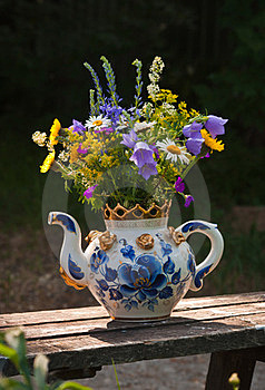 Wild Flowers In A Teapot Royalty Free Stock Photography - Image: 23670377
