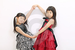 Asiatisk Flicka Little Två Arkivfoto - Bild: 23943100