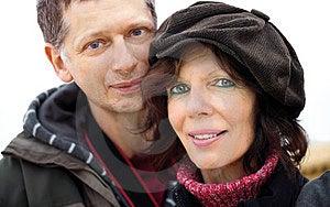 συνδέστε ευτυχή υπαίθρια Στοκ φωτογραφία με δικαίωμα ελεύθερης χρήσης - εικόνα: 23982197