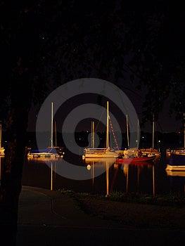 Seglar på natten Arkivbilder