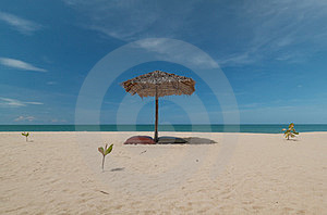 Umbrella And Beautiful Beach Royalty Free Stock Images - Image: 24140389