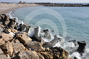 Rocky Curved Dam Royalty Free Stock Photos - Image: 24306368