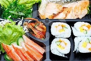 τα τρόφιμα ιαπωνικά έθεσαν παραδοσιακός Στοκ Εικόνα - εικόνα: 24356921
