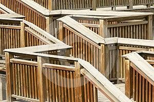 σκαλοπάτι ξύλινο Στοκ φωτογραφία με δικαίωμα ελεύθερης χρήσης - εικόνα: 24530235