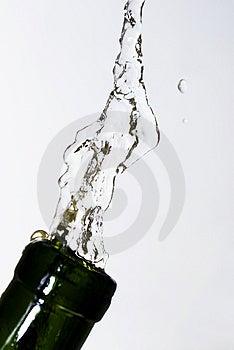Αναζωογονηθείτε με το νερό Στοκ Εικόνες - εικόνα: 2474934