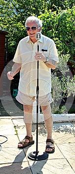 Karaoke Crooner Royalty Free Stock Images - Image: 24987149
