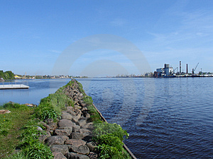 Path Into Daugava Free Stock Photo