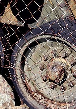 Old Rusty Wheel Free Stock Photos
