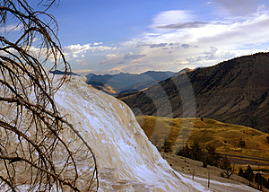 Mammoth Hot Springs & Mountains Of Yellowstone Free Stock Images