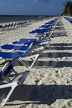 Beach Recliners Free Stock Images