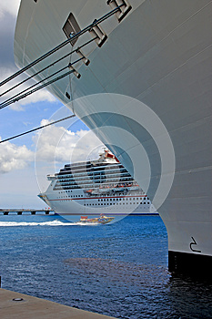Ships In Port Royalty Free Stock Images - Image: 25018359