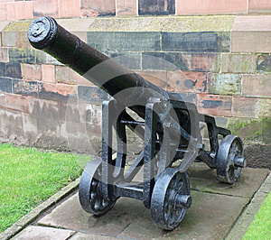 Vintage Heavy Cannon. Royalty Free Stock Images - Image: 25182889