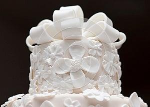 A White Wedding Cake Royalty Free Stock Photos - Image: 25632368