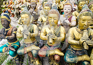 The Novel Actor Sculpture In Rayong Royalty Free Stock Photography - Image: 25662467