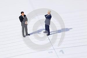 Biznesowi Biznesmeni Negocjują Dwa Obrazy Royalty Free - Obraz: 25665669