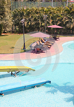 Beautiful Resort Swimming Pool With Clean Water Stock Images - Image: 25670364