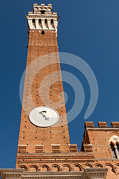 Torre Del Mangia Royalty Free Stock Photo - Image: 26212405