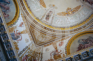 Ornate Ceiling In Palace. Royalty Free Stock Photo - Image: 26331465