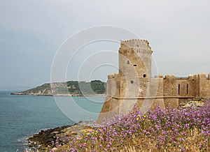 Ionian Kust Av Calabria, Le Castella Arkivfoto - Bild: 26684290