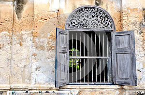 Old Style Wall And Widow Royalty Free Stock Photo - Image: 27153965