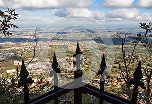 Picchi Di Un Cancello Immagini Stock Libere da Diritti - Immagine: 27665579