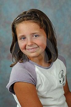 Weinig Dame Met Een Grote Glimlach Royalty-vrije Stock Afbeelding - Afbeelding: 2851776