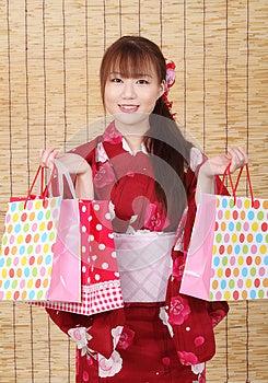 Giovane Donna Asiatica In Kimono Immagine Stock Libera da Diritti - Immagine: 28705906
