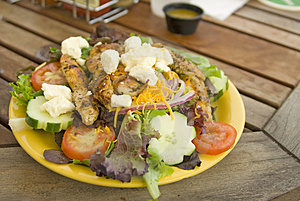 Salad with grilled chicken Free Stock Images