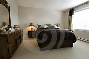 King size bed Royalty Free Stock Photos